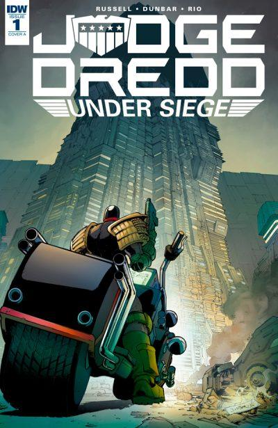 Обложка комикса Судья Дредд: В осаде 01 (IDW)